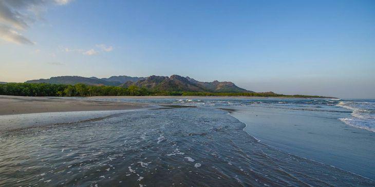 playa malibu gorgona panama