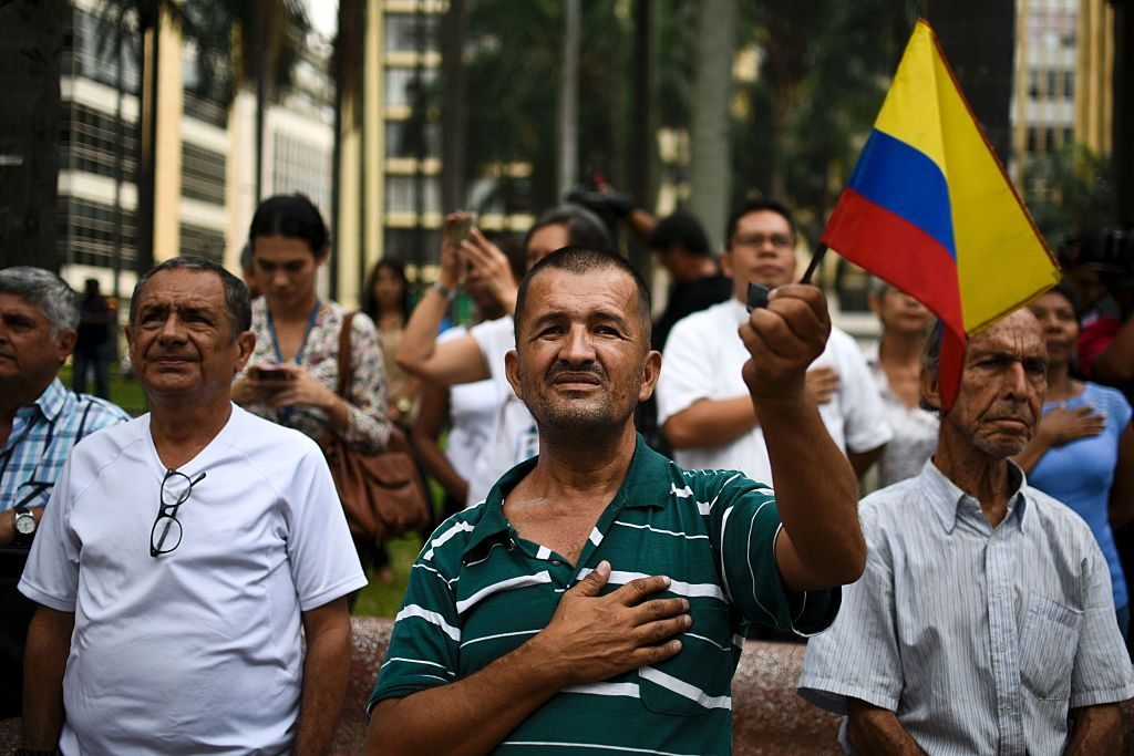People celebrating Colombian peace deal